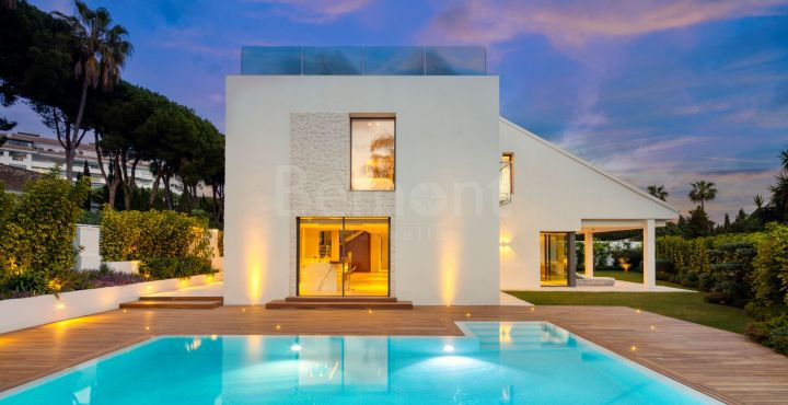 Modern beachside villa for sale in Puerto Banús, Marbella, Spain