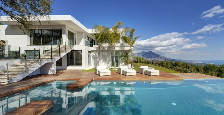 Luxury villa with outstanding sea views in La Zagaleta, Marbella west