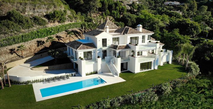 Luxury 6 bedroom villa for sale in La Zagaleta, Benahavis
