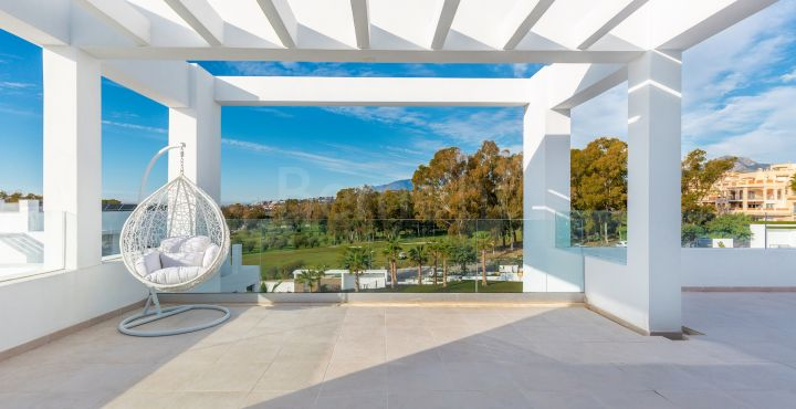 Contemporary duplex penthouse for sale in Atalaya Golf, Marbella West