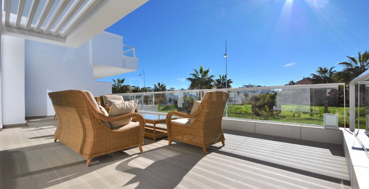 New modern beachside apartment for sale in San Pedro Playa, Marbella West
