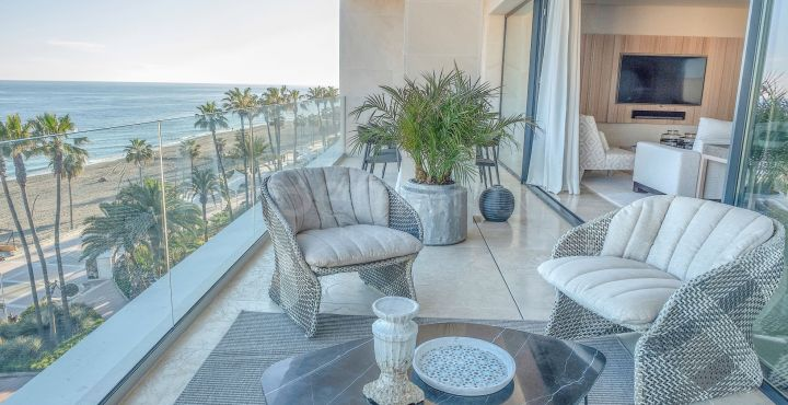 3-Bedroom beachfront contemporary apartment for sale in Estepona