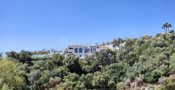 4 bedroom villa with panoramic views for sale in Benahavis, Marbella West