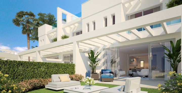Fantastic modern townhouse for sale in Calahonda, Marbella East