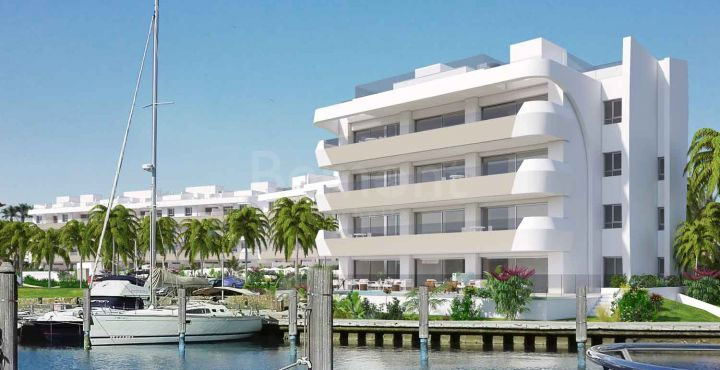 New build apartments and penthouse with marina view