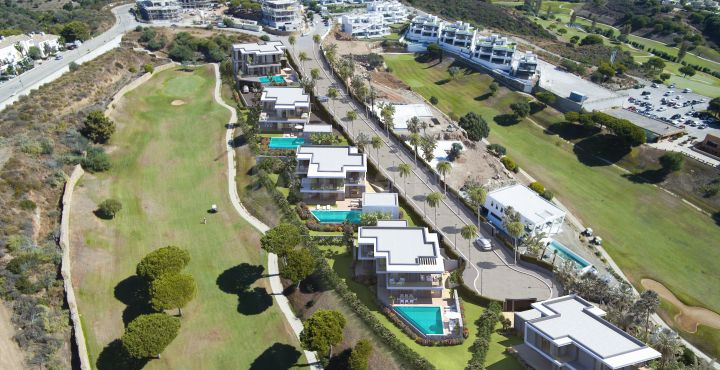 Front line golf new build luxury villas for sale in Cabopino, Marbella East