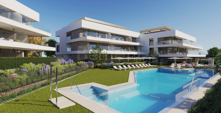 New beautiful apartments and penthouses with sea views for sale in Estepona