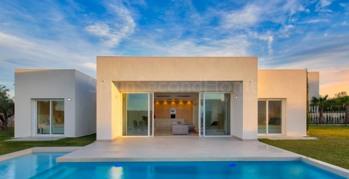 Outstanding golf villa for sale in Las Colinas Golf, Costa Blanca South