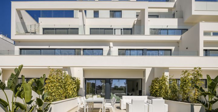 Contemporary apartment for sale in Las Colinas Golf, Costa Blanca South
