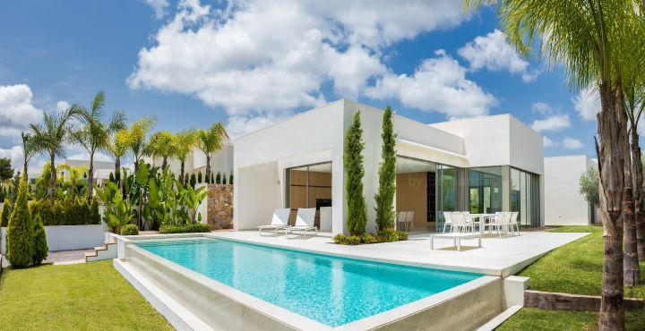 Luxury 4 bedroom villa for sale in Costa Blanca South