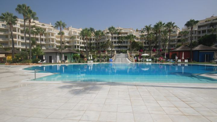 Estepona, Las Dunas Park Beachfront Luxury Ground Floor Apartment