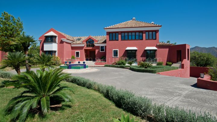 Marbella East, Marbella East, La Mairena, Beautiful Family Villa in magnificent setting