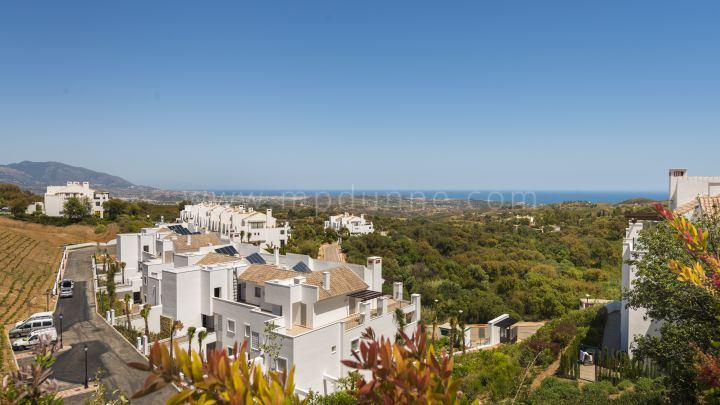Marbella East, La Floresta phase 4 -2 and 3 bedroom apartments and penthouses in La Mairena