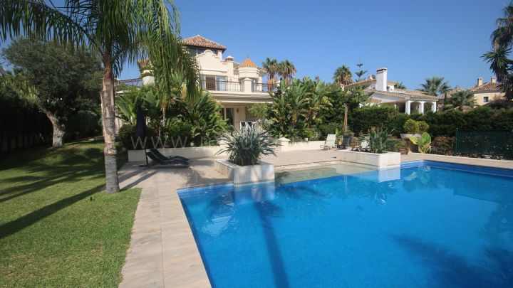 Marbella East, Marbella East, Las Chapas Playa, to rent magnificent villa to rent 2nd line beach