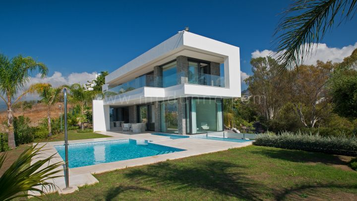 Marbella Golden Mile, Marbella Golden Mile Brand New Modern Contemporary Villa