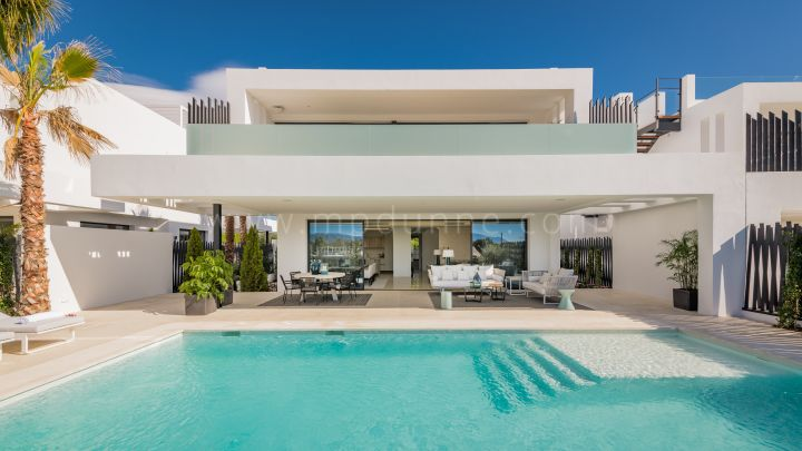 Marbella Golden Mile, New Modern Contemporary Villa Close to the Puente Romano Marbella