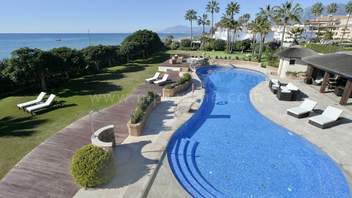 Marbella East, Las Chapas, Marbella East, 7 bedroom beachfront villa
