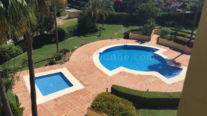 Marbella East, Rio Real Golf, Marbella East, Attractive 2 bed apartment