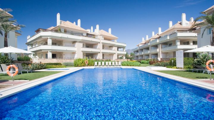 Estepona, Front Line Beach Penthouse sur New Golden Mile
