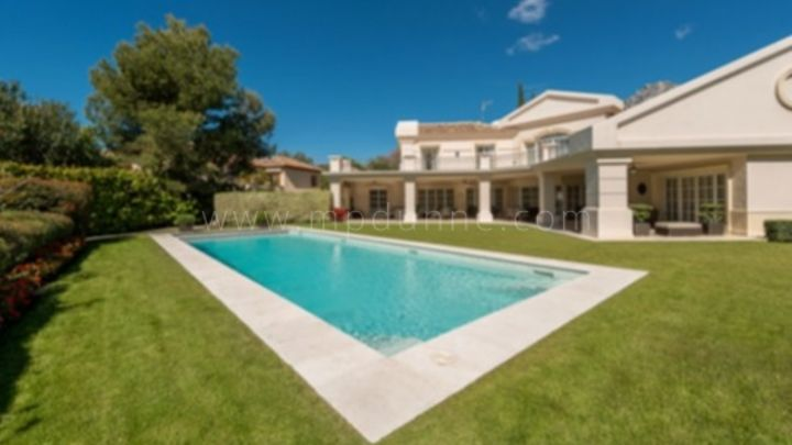 Marbella Golden Mile, Altos Reales, Marbella Golden Mile, Stunning family villa for sale