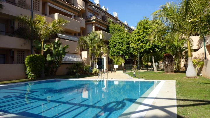 Marbella East, Alicate Playa, Marbella East, 3 bedroom duplex apartment for rent