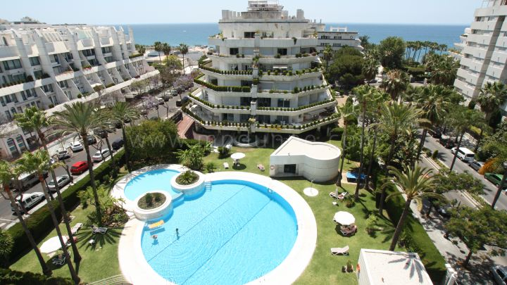 Marbella City, Amazing penthouse in second line beach in Marbella