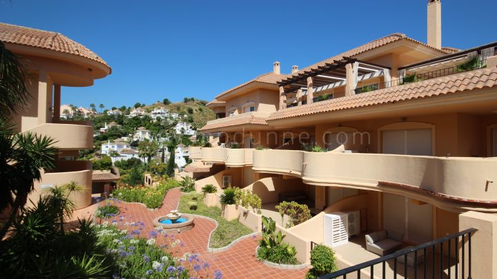 Nueva Andalucia, Two bedroom apartment in Aloha Hill Club, Nueva Andalucia, Marbella