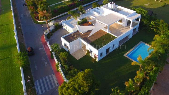 Estepona, Brand new contemporary villa in Casasola, Estepona