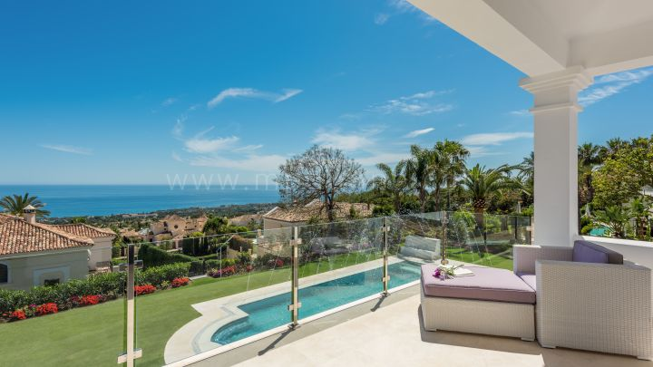 Marbella Golden Mile, Modern Villa with panoramic sea views for Sale in Sierra Blanca