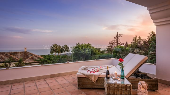 Marbella Golden Mile, Beautiful Villa with panoramic sea views for Sale in Marbella Golden Mile
