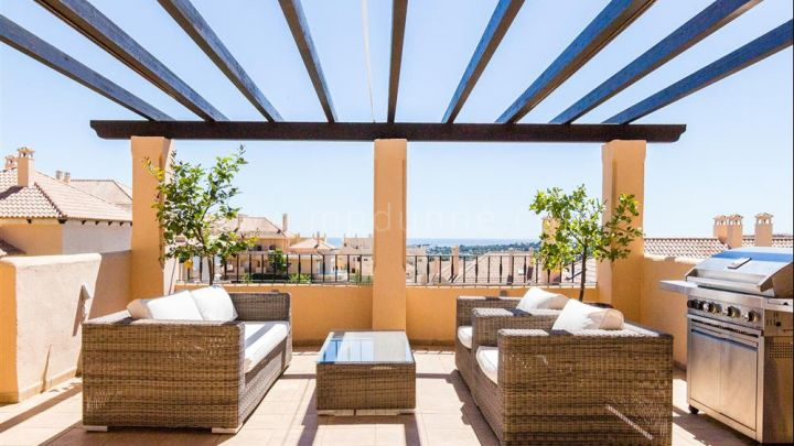Nueva Andalucia, Fabulous 2 bedroom Penthouse in Aloha Hill Club, Nueva Andalucia