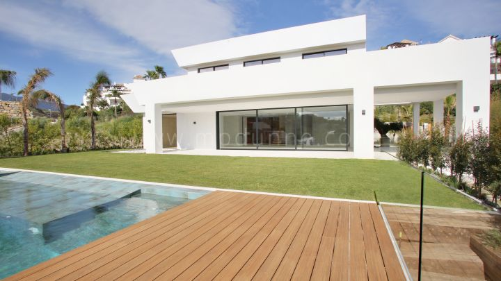Benahavis, Brand new south west facing villa in La Alqueria