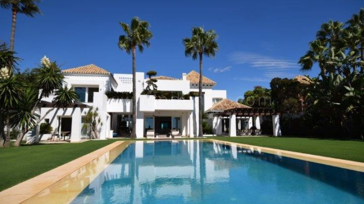 San Pedro de Alcantara, Exclusive beachfront villa in Guadalmina Baja