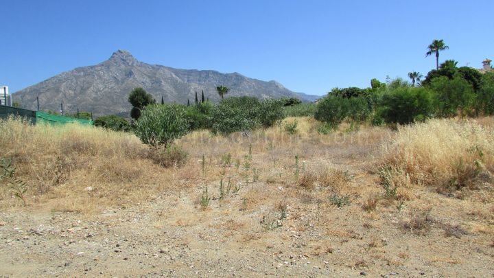 Marbella Golden Mile, Plot of land in Los Lomas de Marbella with licence