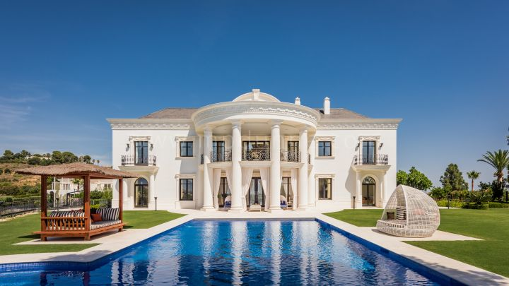 Marbella East, Incredible family house in Las Chapas