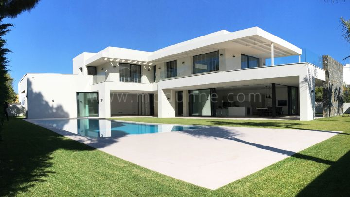 Nueva Andalucia, Contemporary Masterpiece close to the sea and Puerto Banus