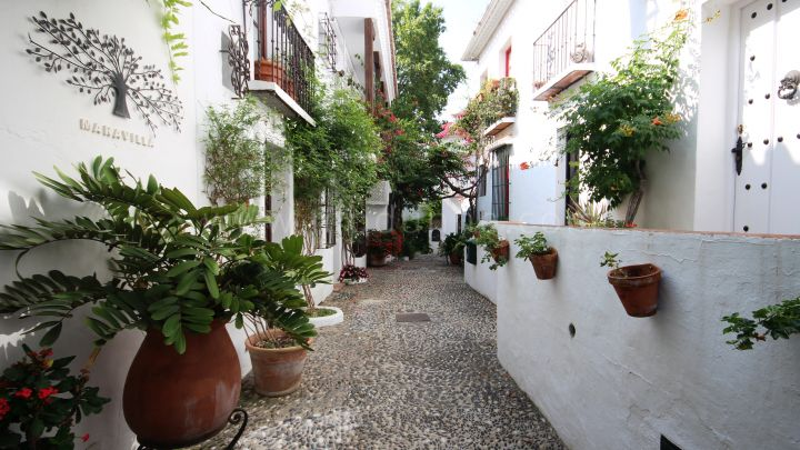 Marbella Golden Mile, Beautiful townhouse in La Virginia, Golden Mile
