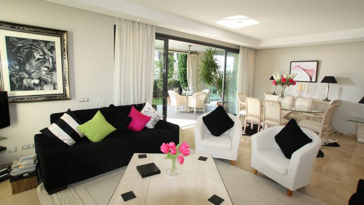Marbella Golden Mile, Magnificent apartment In Imara on the Golden Mile