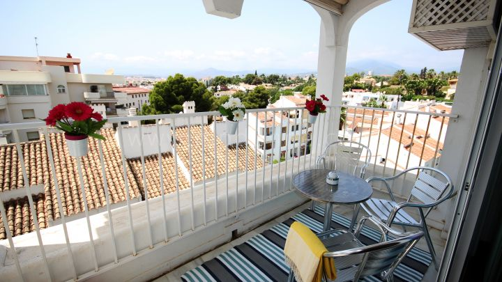 Marbella - Puerto Banus, Exclusive 1 Bedroom Penthouse Next to Casino Puerto Banus Available For Short Term Rental