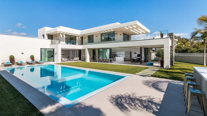 Marbella - Puerto Banus, Contemporary Masterpiece close to the sea and Puerto Banus