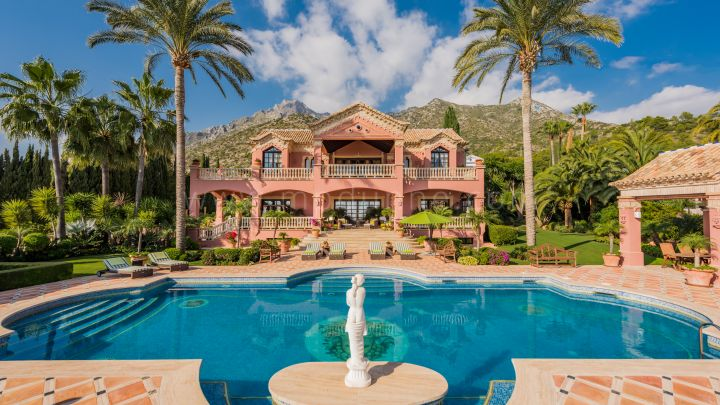 Marbella Golden Mile, Classical Marbella Mansion in Sierra Blanca with Panoramic Sea views