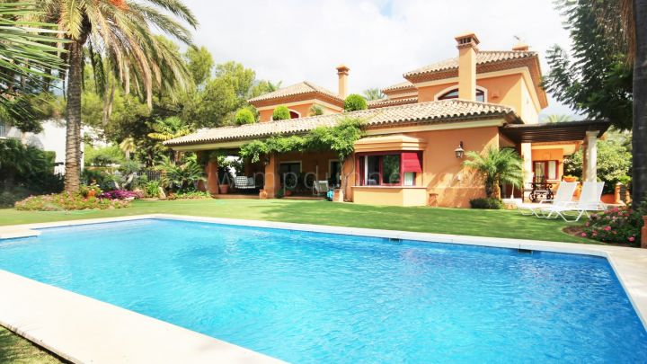 Marbella Golden Mile, Family villa for rent in Altos Reales, Marbella Golden Mile