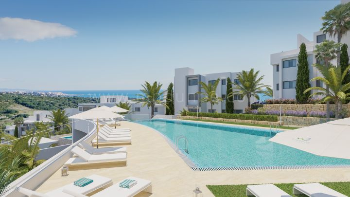 Estepona, New off plan apartments with sea views in Estepona Golf