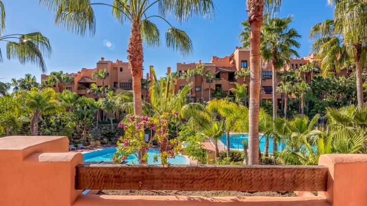 Nueva Andalucia, Spacious appartment in Alzambra, Puerto Banus