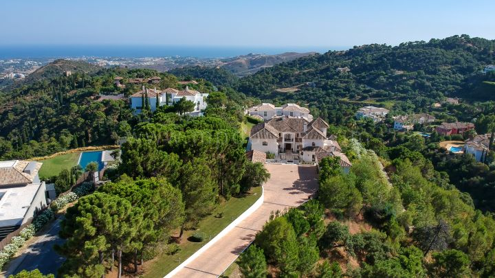 Benahavis, Andalusian Style Family Villa for Rent in La Zagaleta, Marbella