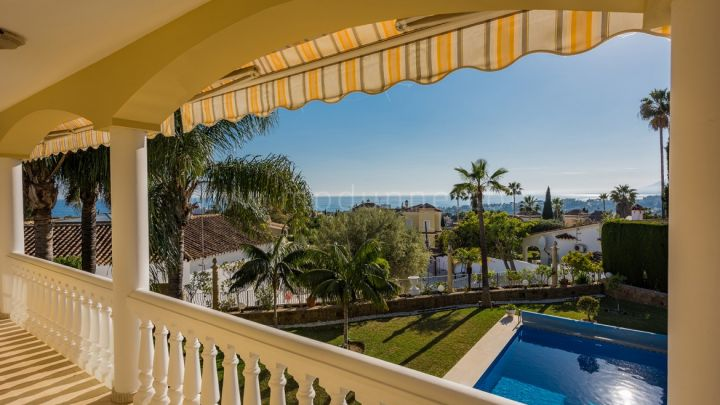 Marbella East, Beautiful villa in El Rosario, Marbella