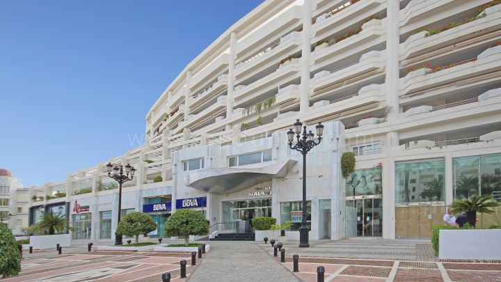Marbella - Puerto Banus, Spacious apartment in Playas del Duque, Puerto Banus
