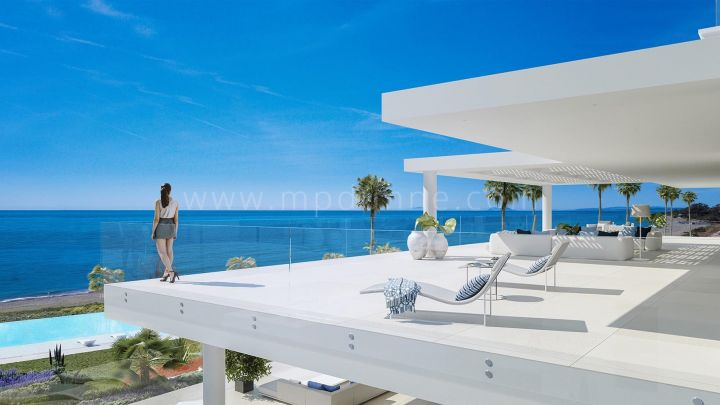 Estepona, Fantastic frontline beach modern apartment in New Golden Mile, Estepona