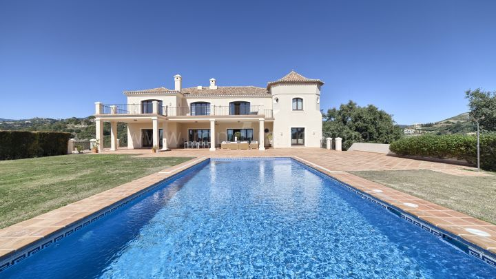Benahavis, Luxury villa in Marbella Club Golf Resort, Benahavis