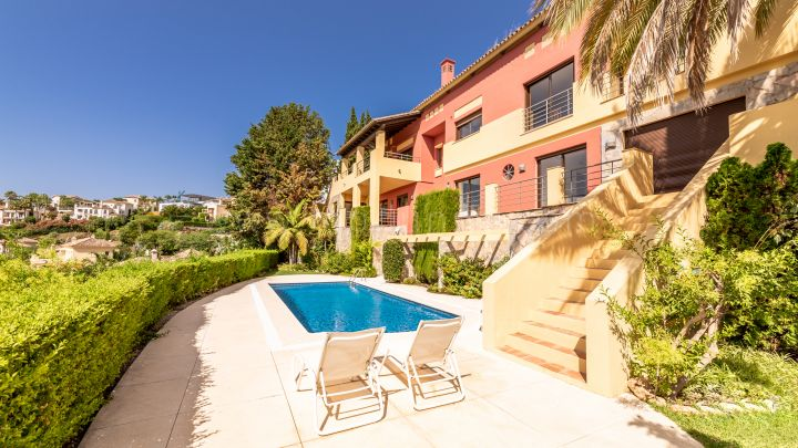 Benahavis, Luxury Villa with panoramic views for Sale Los Arqueros Golf